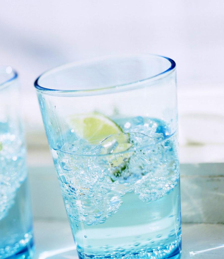 сколько пить в жару
