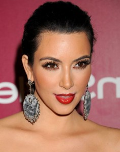 Ким Кардашьян - красная помада