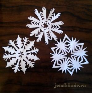 бумажные снежинки на окно