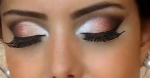 вечерний макияж глаз белым карандашом